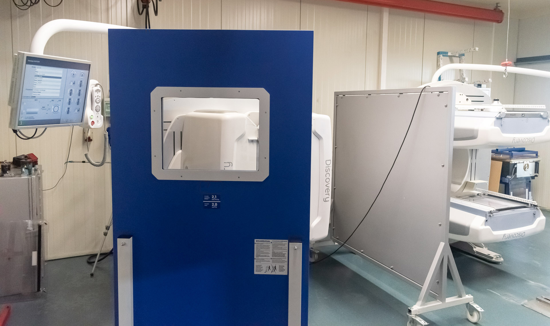 Mobile x-ray barrier MXBS32-22 - Nuclear Shields
